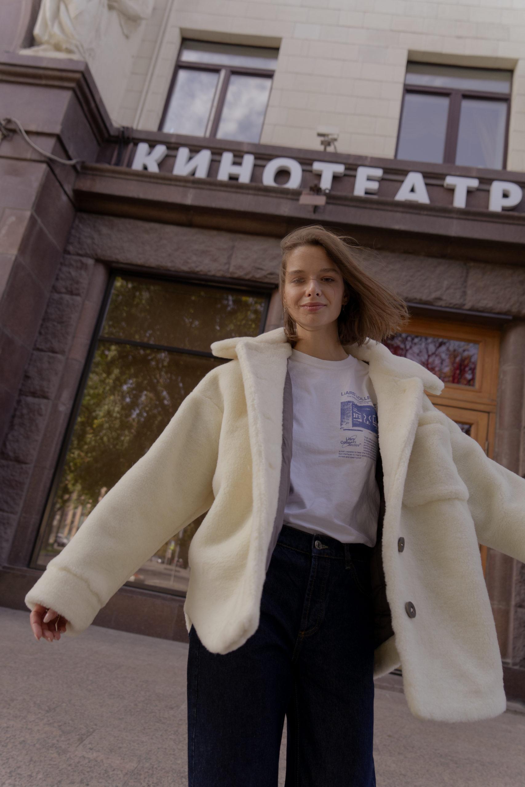 Меховая рубашка и свитер в новой коллекции MATÜ x SASHA ZHARKOVA