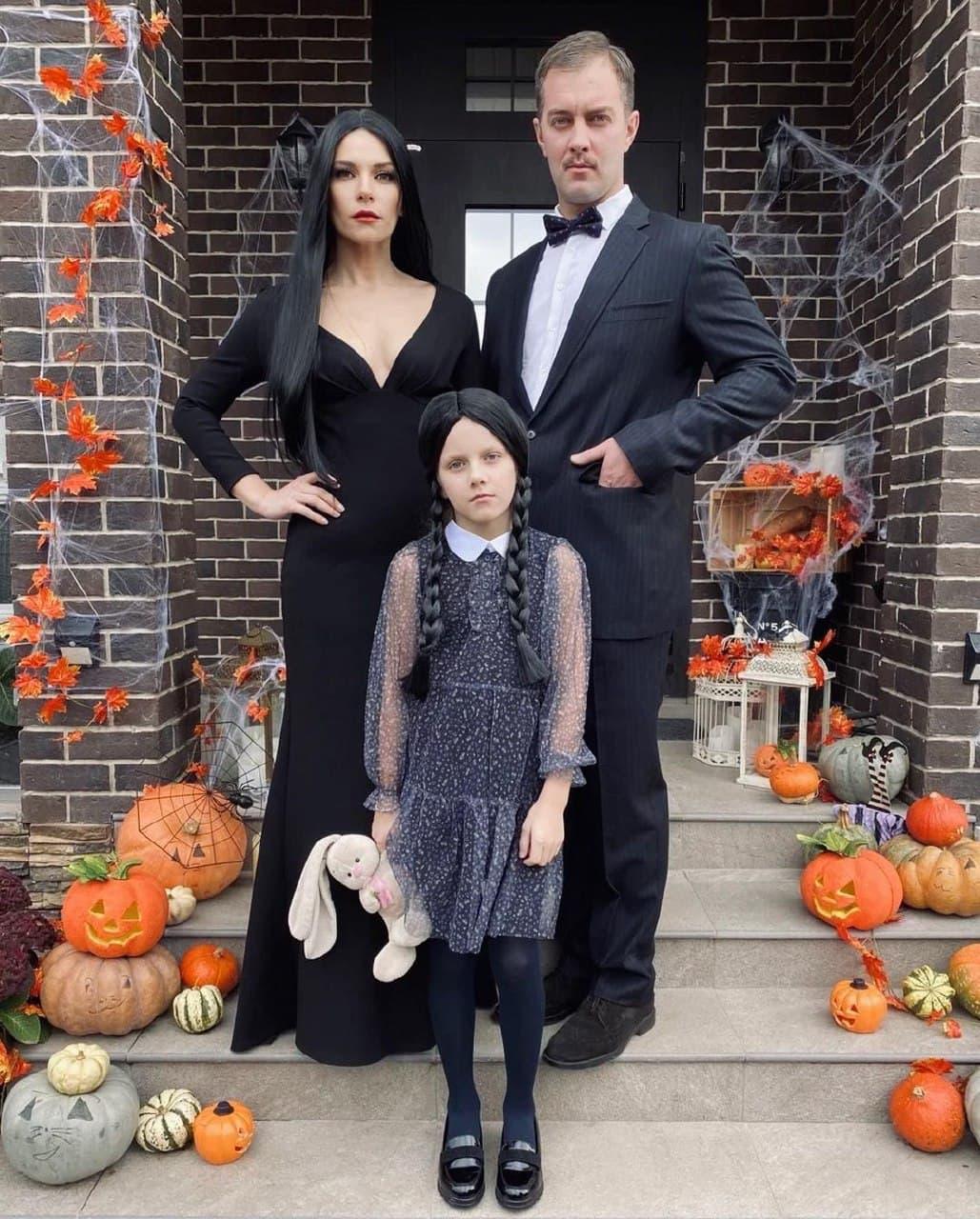 Екатерина Волкова и Андрей Карпов с дочкой Елизаветой / фото: Instagram @volkovihome