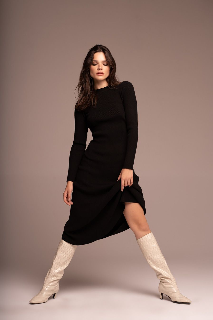 От свитеров до худи: где купить зимнюю одежду со скидками
