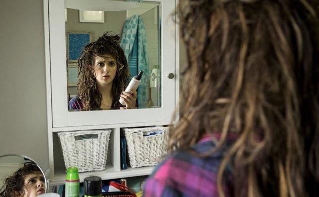 Зимняя проблема: топ бьюти-советов, чтобы волосы не электризовались