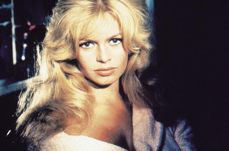 Кадр из фильма «Парижанка»