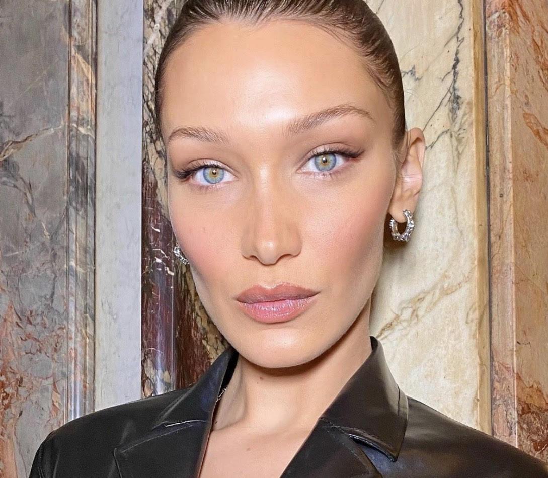 Лайфхак: как сделать макияж полезным для кожи