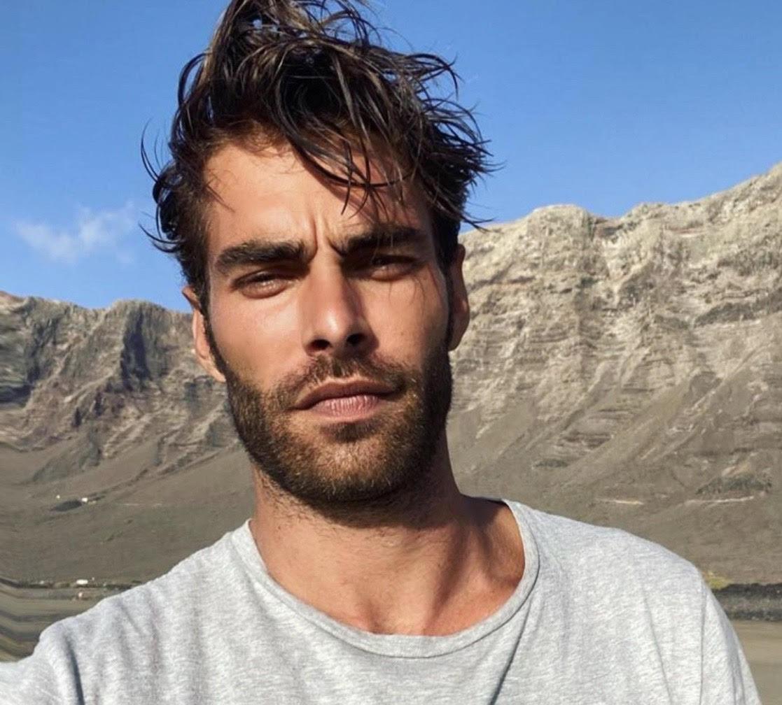 Лайфхак для парней: как ухаживать за бородой дома