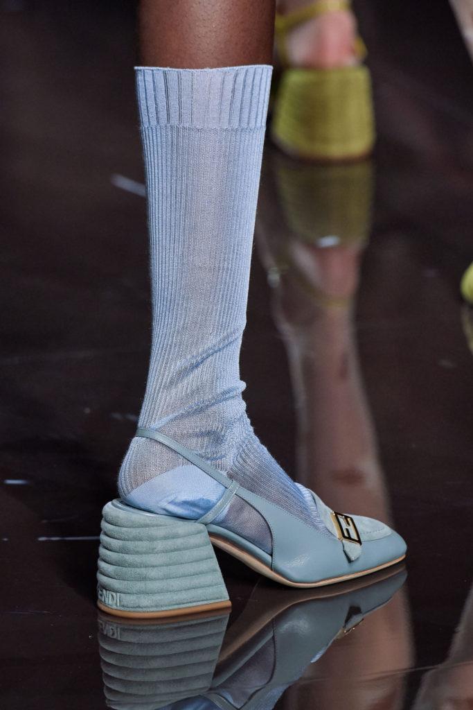 Туфли с носками и ещё 4 модных запрета, которые не актуальны в 2020 году