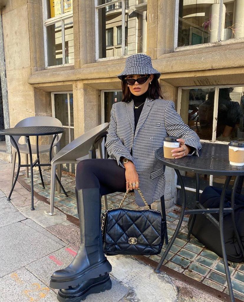 Модные приемы: как заправлять брюки в обувь и делать это стильно