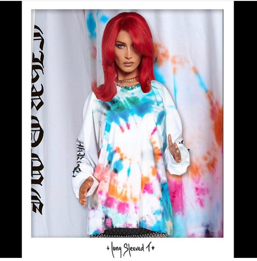 В стиле тай-дай: Белла Хадид выпустила коллаборацию с Chrome Hearts