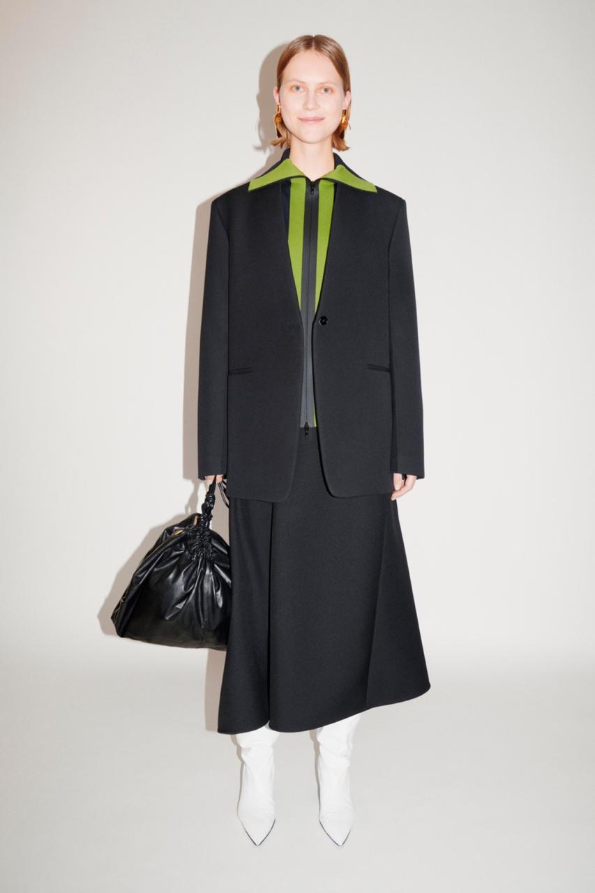 Жакеты и платья в новой коллекции Jil Sander