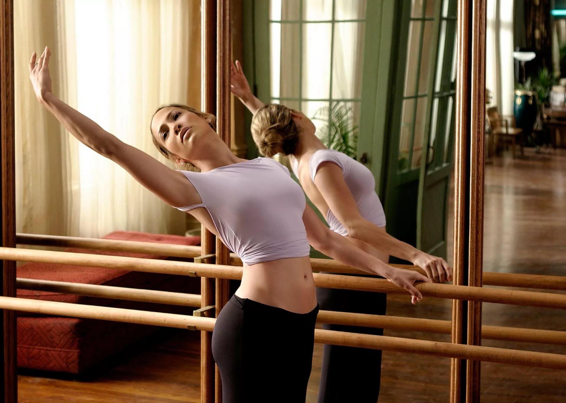 Фитнес дома: топ упражнений для идеальной фигуры