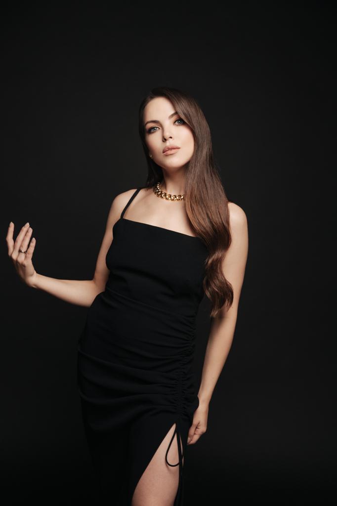 Телеведущая Светлана Абрамова