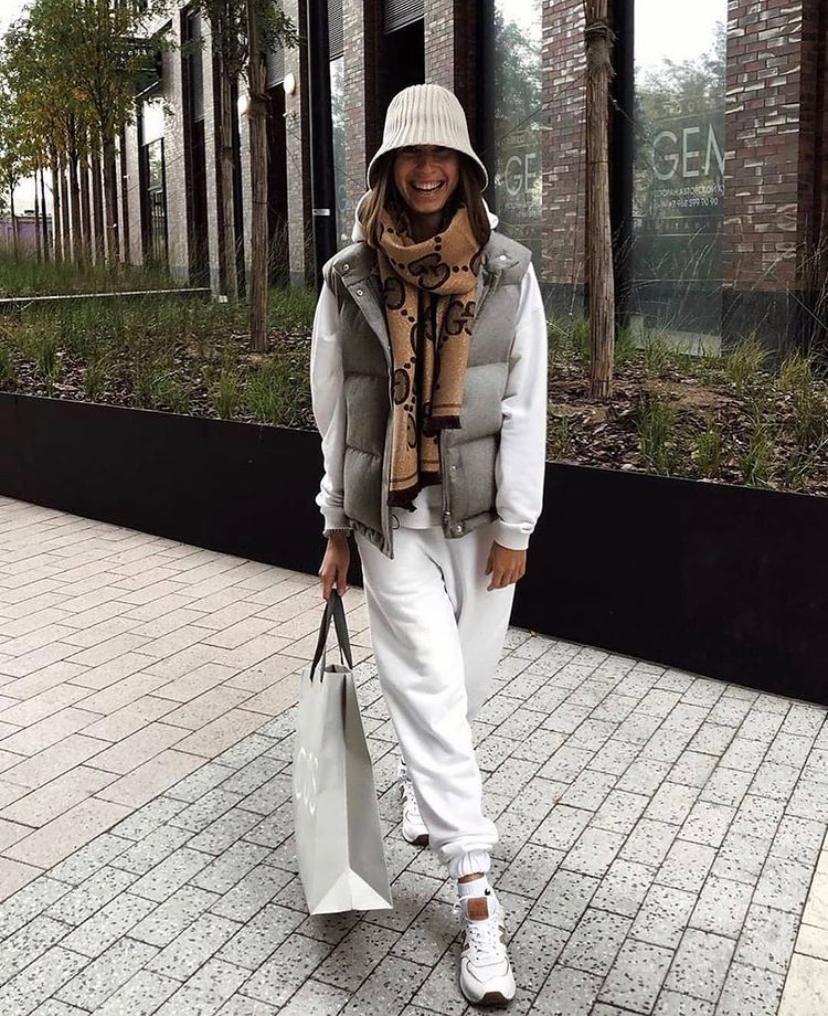 Модные приемы: как превратить спортивный костюм в стильный образ для выхода