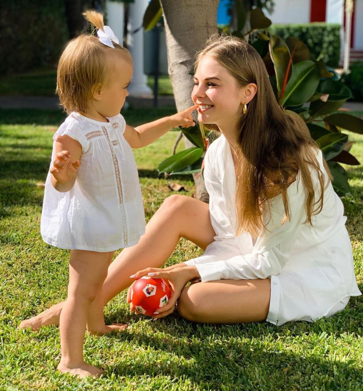 Дарья Палей с дочкой (Фото: @dariia_palyey_1)