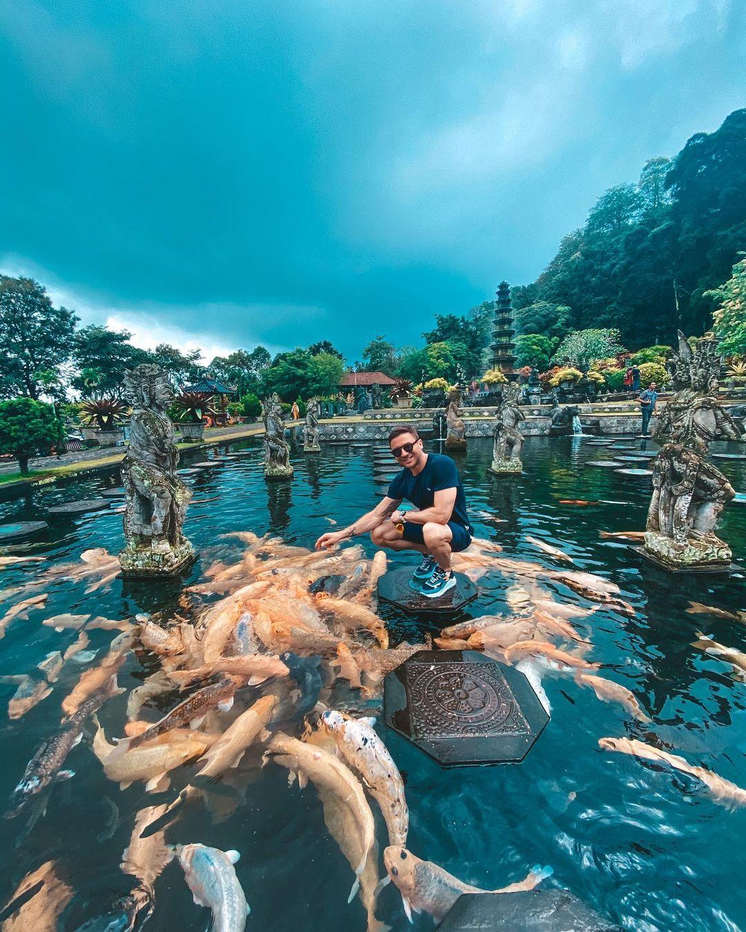 Сергей Лазарев наслаждается достопримечательностями Бали. Фото: @lazarevsergey