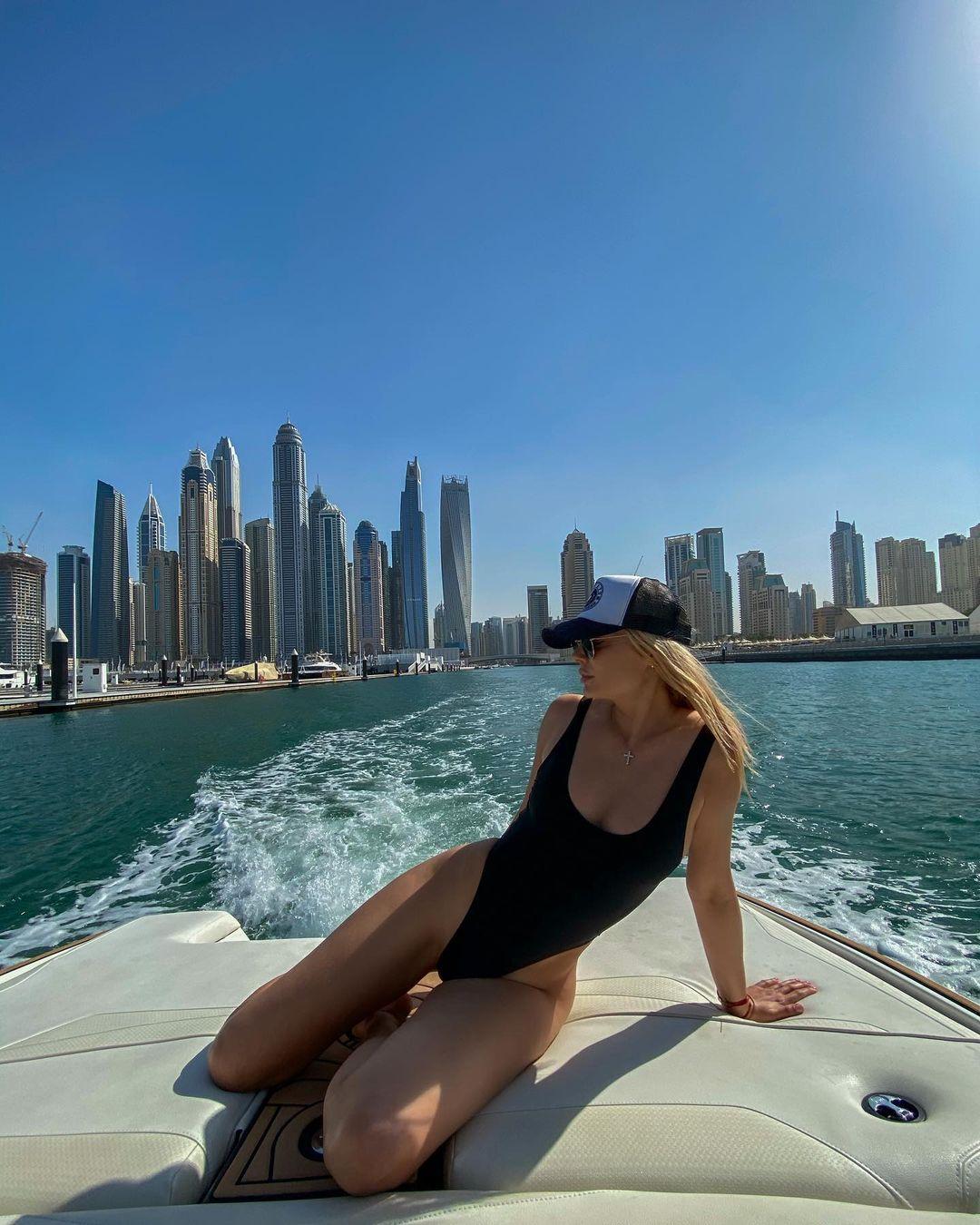 Наталья Рудова в Дубаи. Фото: @rudovanata