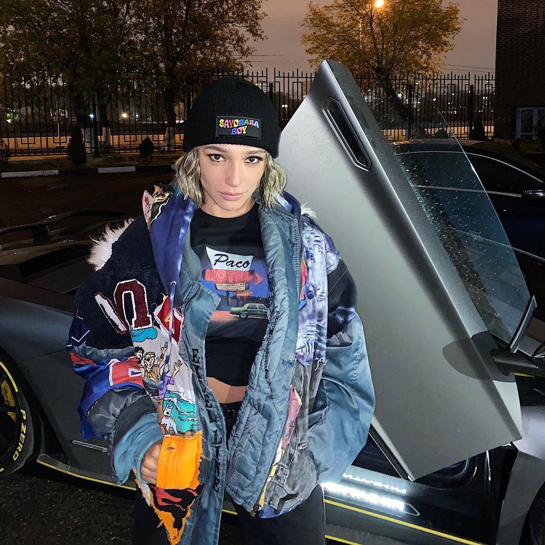 Анастасия Ивлеева (Lamborghini). Фото: @_agentgirl_