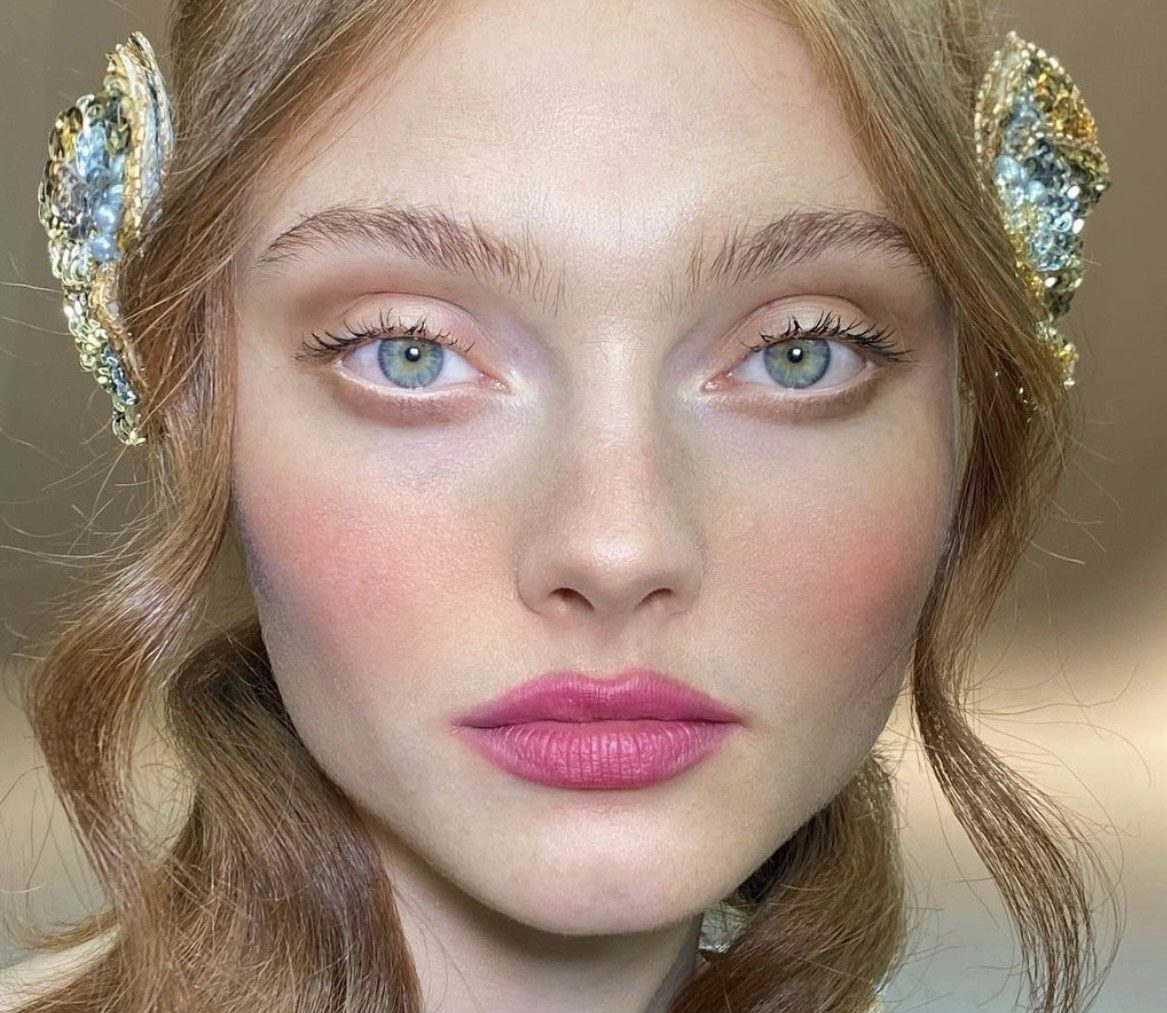 Розовый – главный цвет в весеннем макияже: топ лучших образов