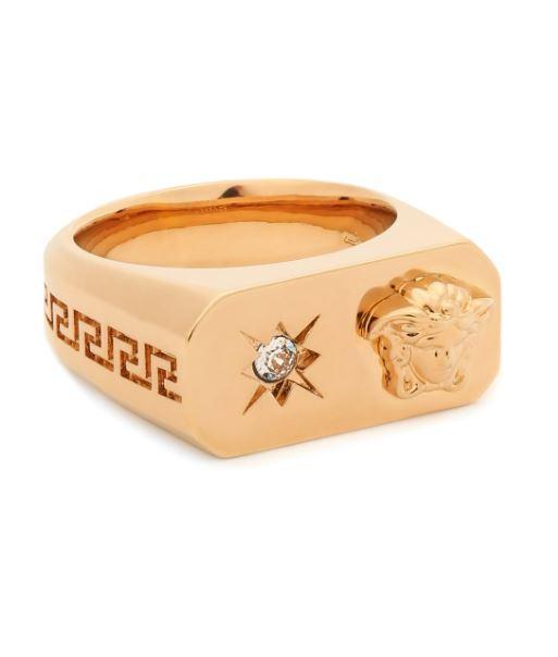 Кольцо Versace Charm, 23 350 руб. (ЦУМ)