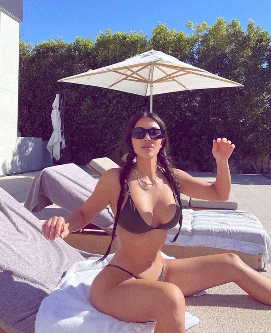 Ким Кардашьян (Фото: @kimkardashian)