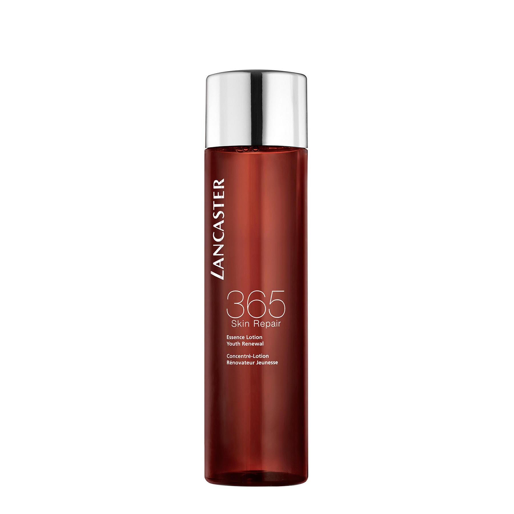 Лосьон-эссенция Lancaster 365 Skin Repair с кокосовой водой прекрасно освежает в течение дня и придает коже сияние.