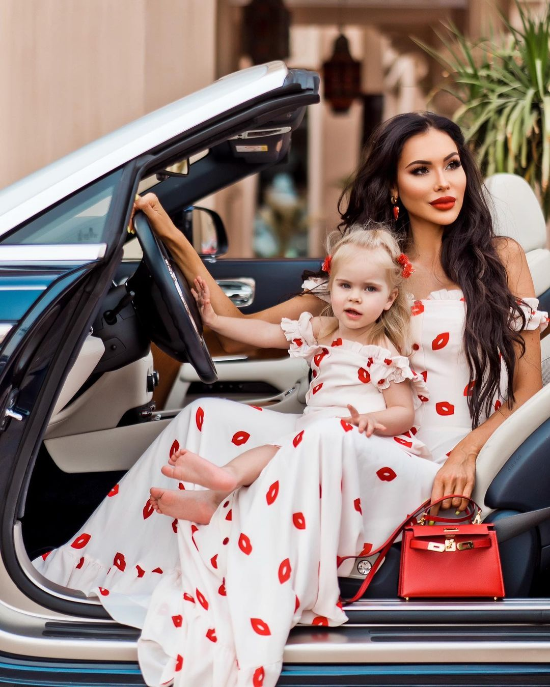 Олеся с дочкой Николь. Фото: @olesya_malinskaya
