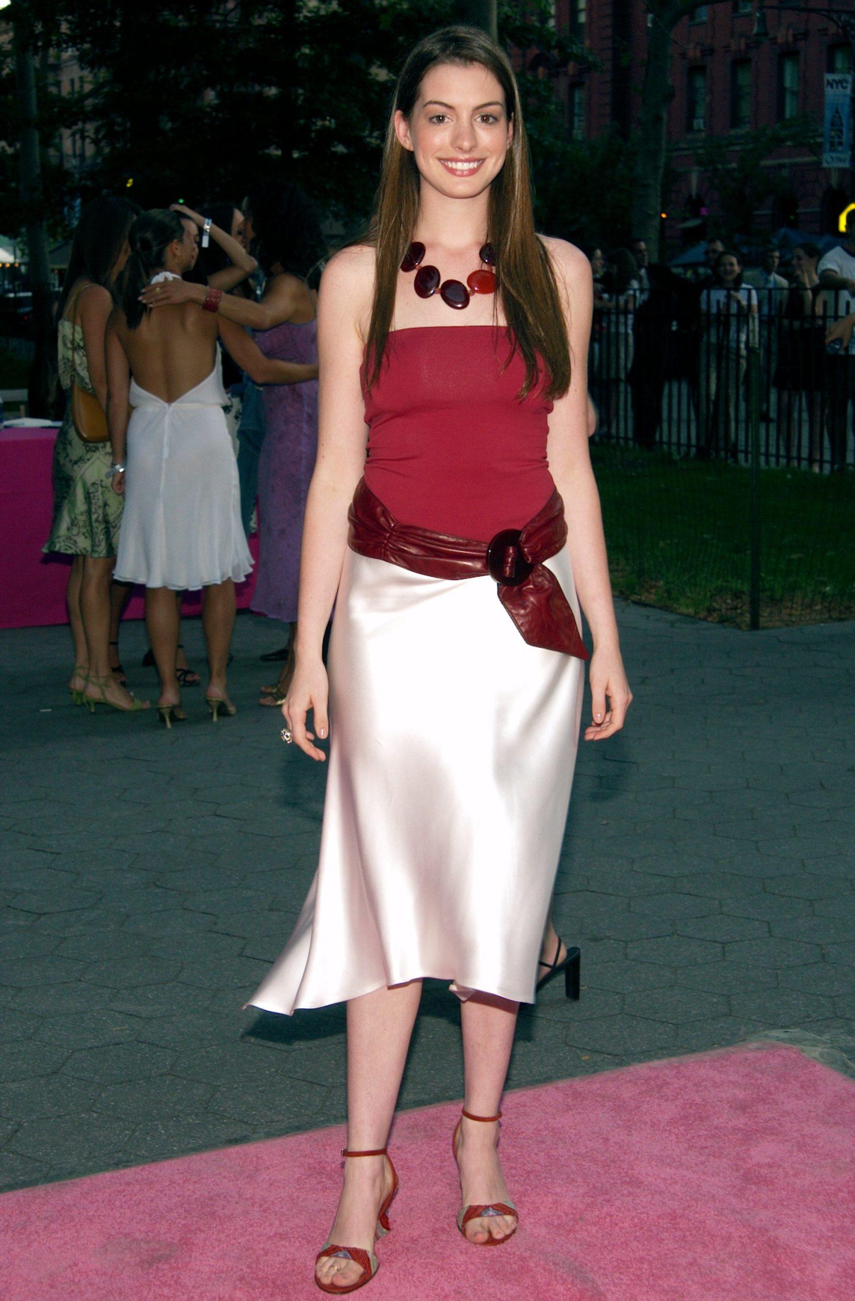Энн Хэтэуэй (2002). Фото: Lawrence Lucier/Getty Images