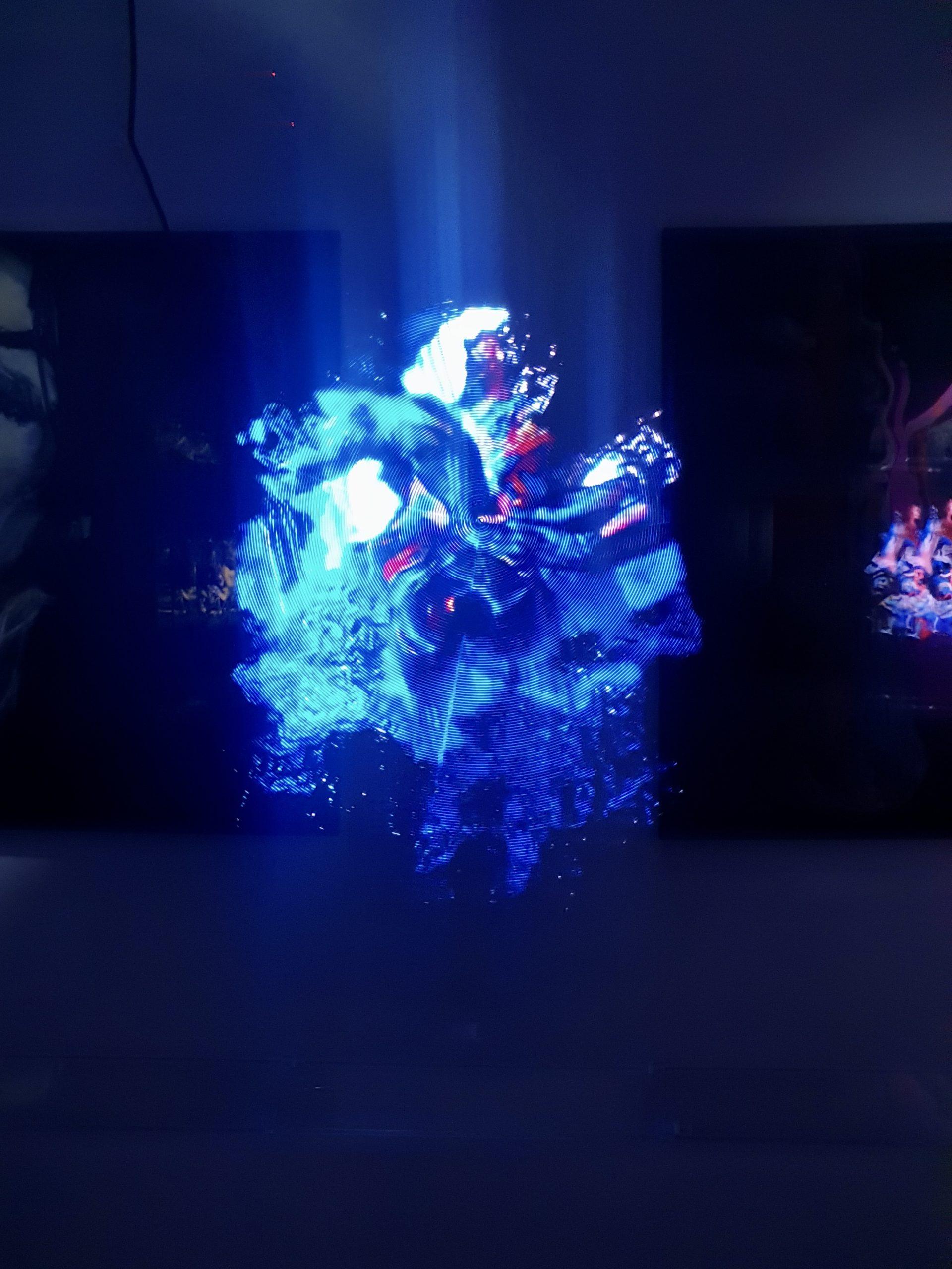 Работа Евгении Мальцевой, выставка Fluids
